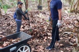 2018 Beach Clean Up and Trail Building (3)